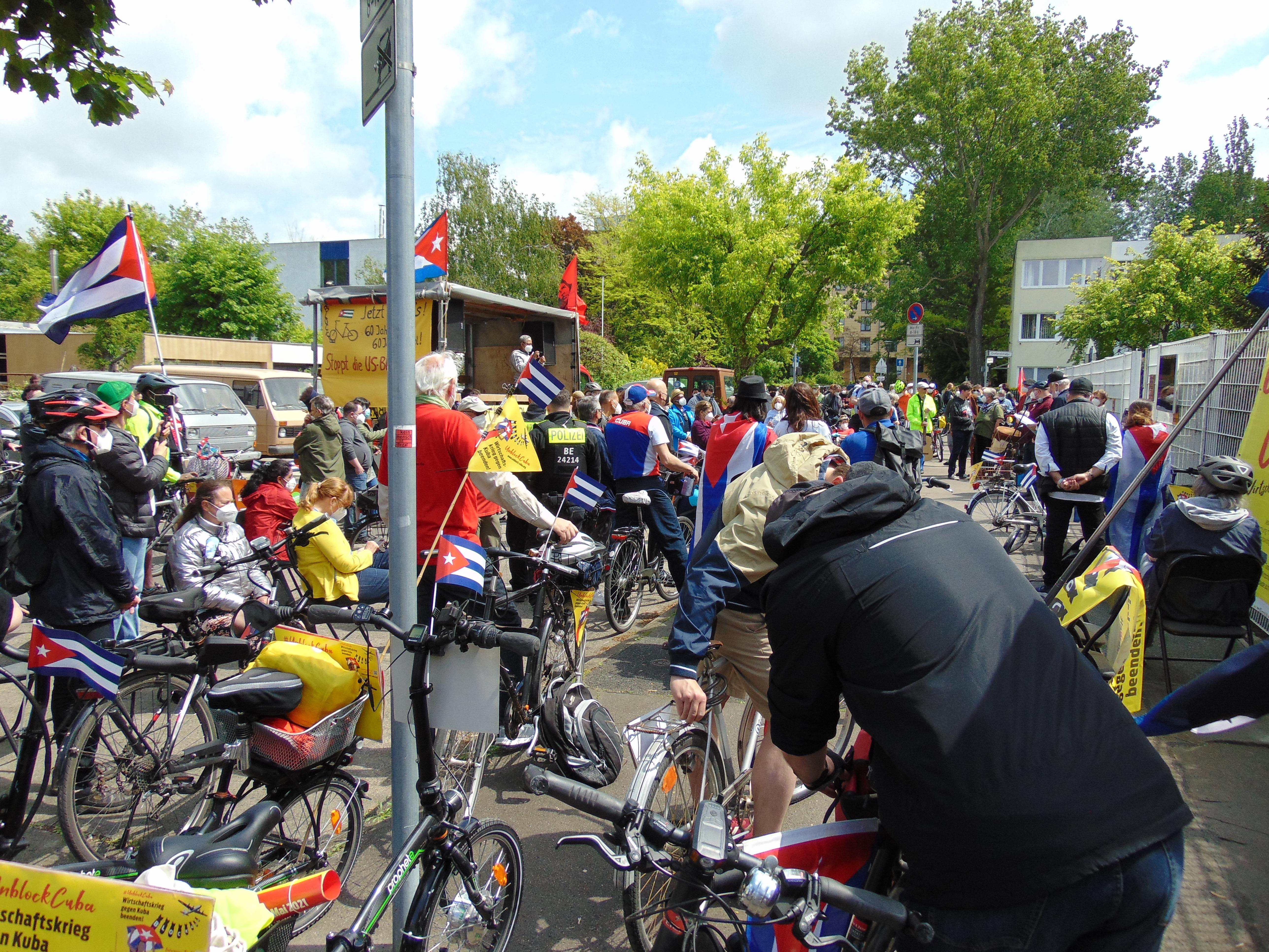 Unblockcuba-Fahrraddemo in Berlin