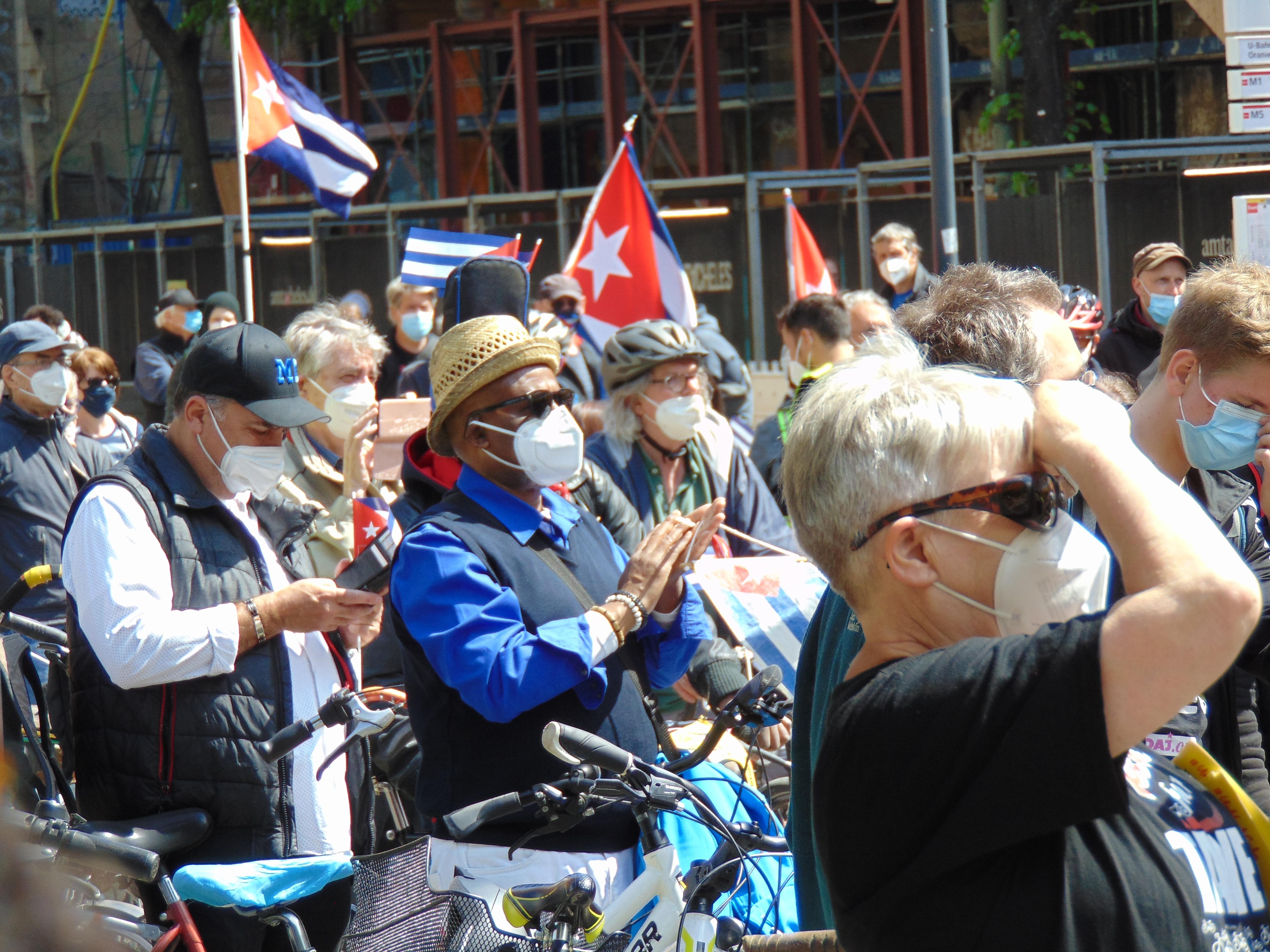 Unblockcuba-Fahrraddemo Kundgebung