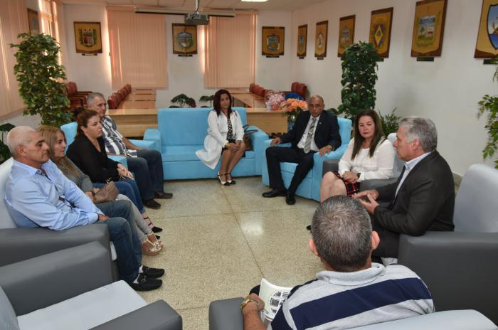 reffen von Díaz-Canel mit der Familie von Landy Rodríguez