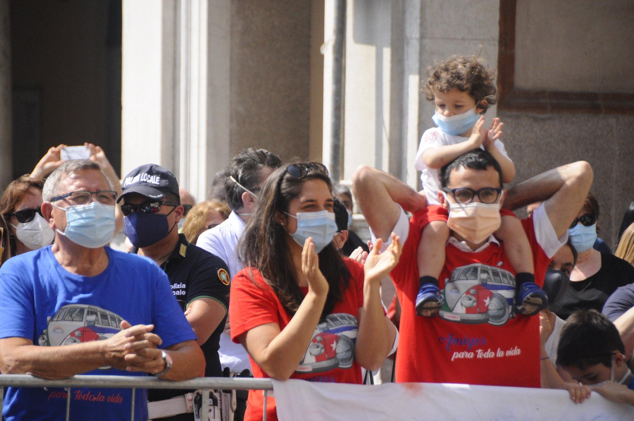Applaus für die kubanische Ärztebrigade Henry Reeve