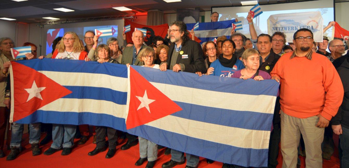Manifestation zum 60. Jahrestag der Kubanischen Revolution