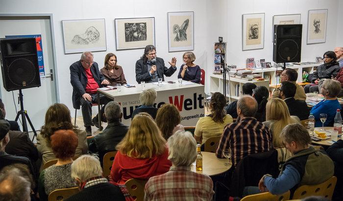 Kubas Teilnehmer der Rosa-Luxemburg-Konferenz stellten sich Diskussion